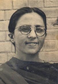 14 Safia Khala